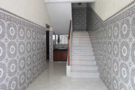 3 Story House Close to the Beach!! - Kénitra - Casa