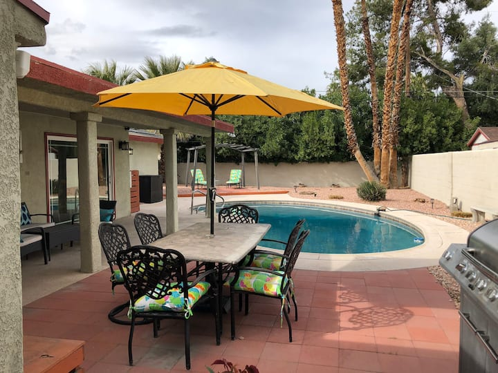 Licensed House with Pool - Near Strip & Fremont