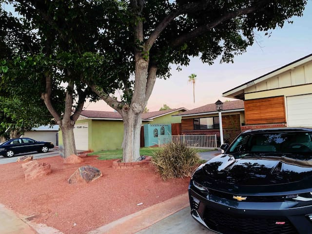 Beautiful home With Pool ✨close  to the strip 7 m