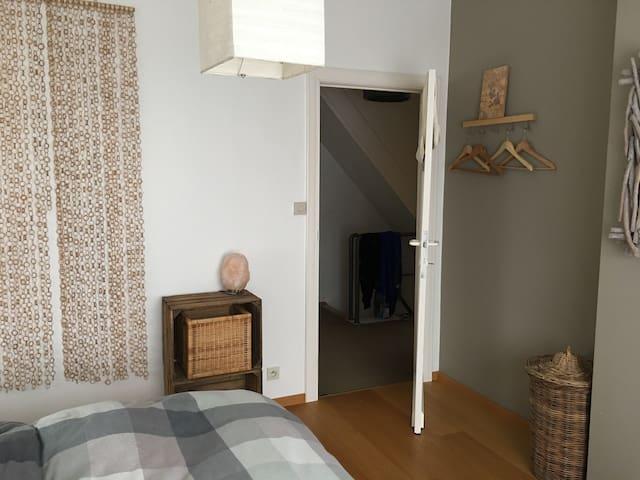 Double room, private bathroom - Kortenberg - Talo