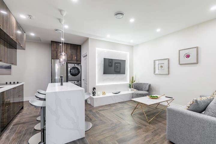 PRIME Walk Location - Stunning 2BR Downtown!
