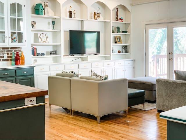 Living Space 1/ Keeping Room