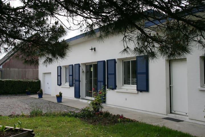 Maison bord de mer à St Germain Sur Ay, 50430