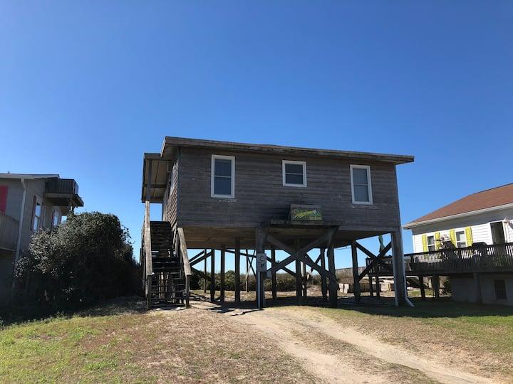 Cozy Rustic Ocean Front Cottage