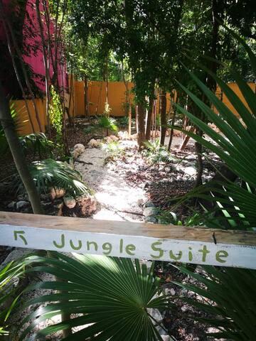 Nuestro hermoso y encantador jardín te regalará momentos muy relajantes ...