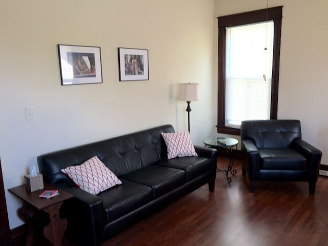 Comfortable Urban Highlands Flat - Louisville - Apartamento