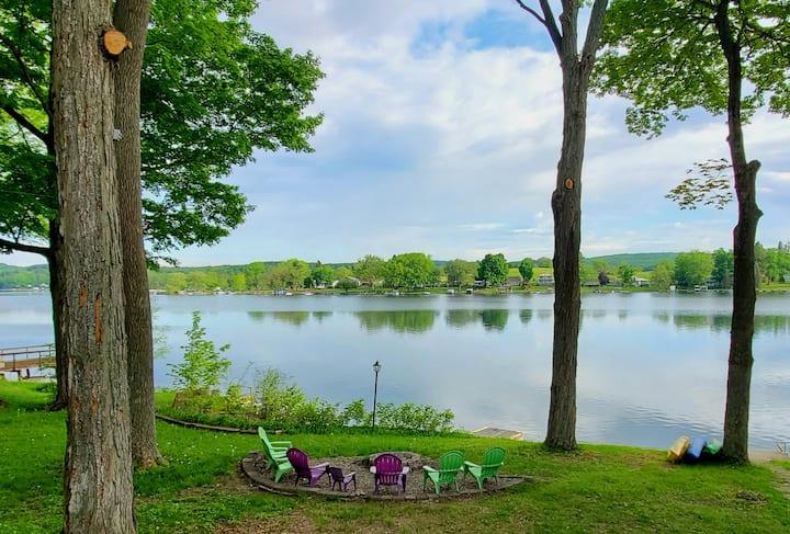 Cozy waterfront cottage, Rushford Lake, NY