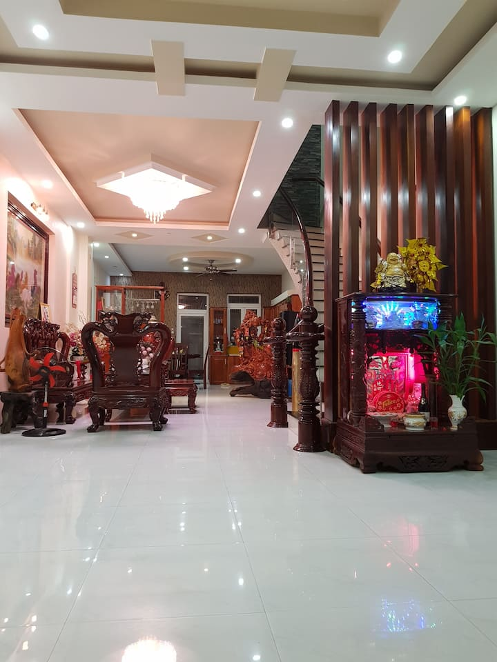 HOUSE FOR RENT (NHA TRANG - VIETNAM)