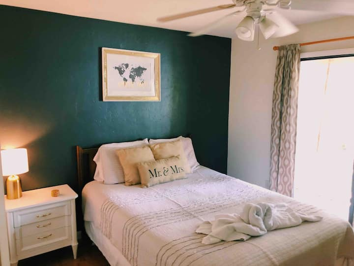 Comfy & Clean Gainesville Stay / Dependable Hosts!