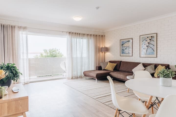 Apartment Eight - Merewether Beach