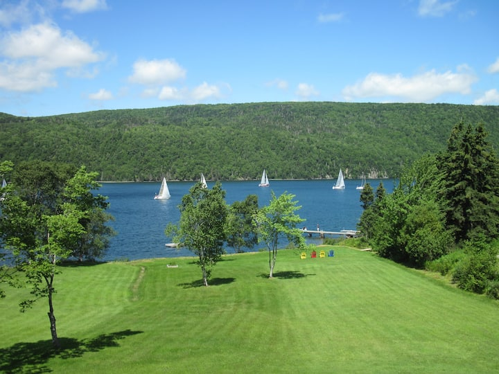 Scenic Lakefront Apartment on Bras D'or Lakes