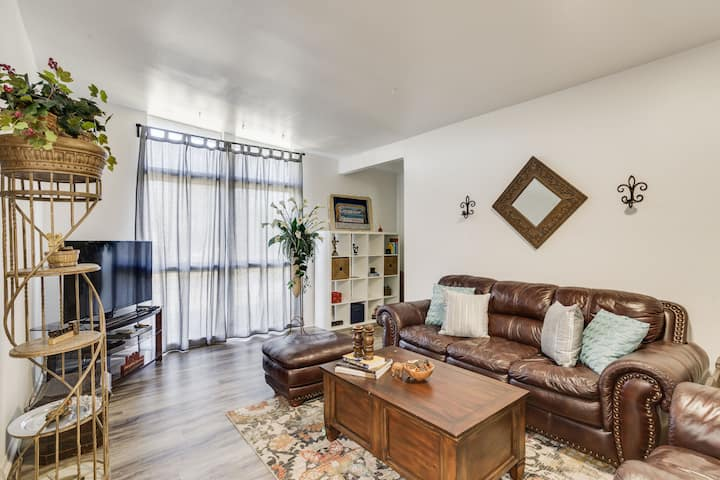 Mid Century- Alamo Heights -perfectly located