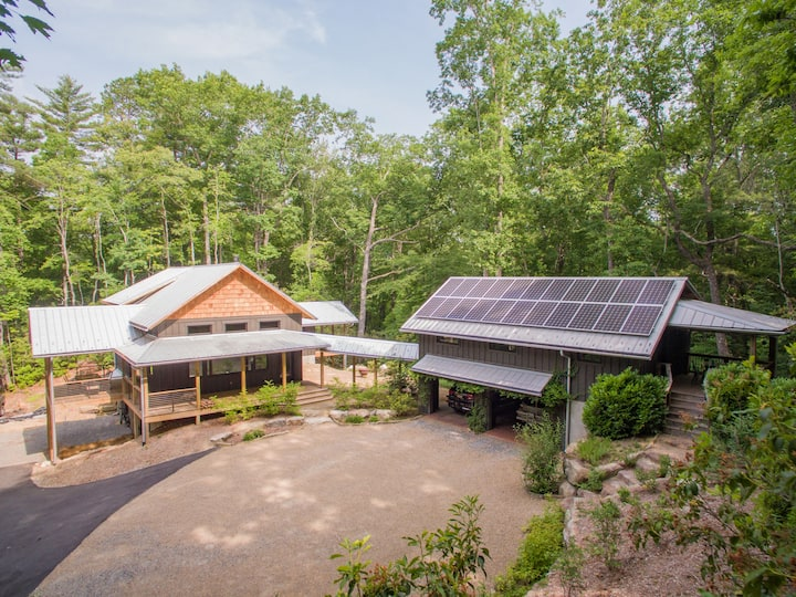 Custom-Built Green Estate & Attached Guest House