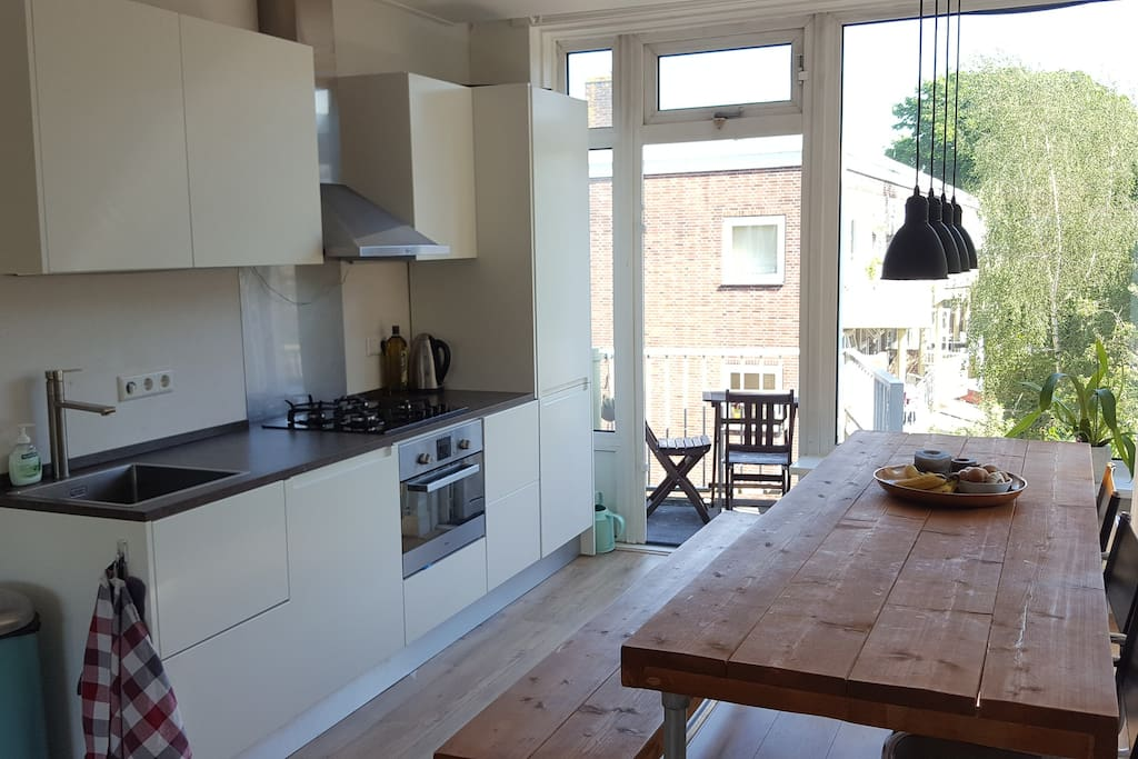 New spacious and well designed apartment in east for Amsterdam appartamenti centro