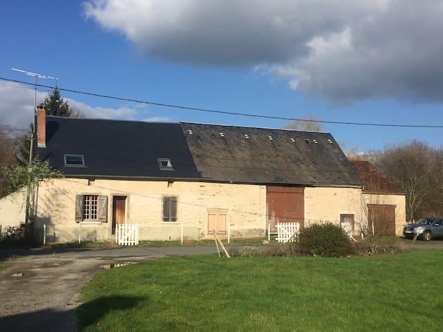 maison de charme au milieu de la campagne - Saint-Georges-les-Landes