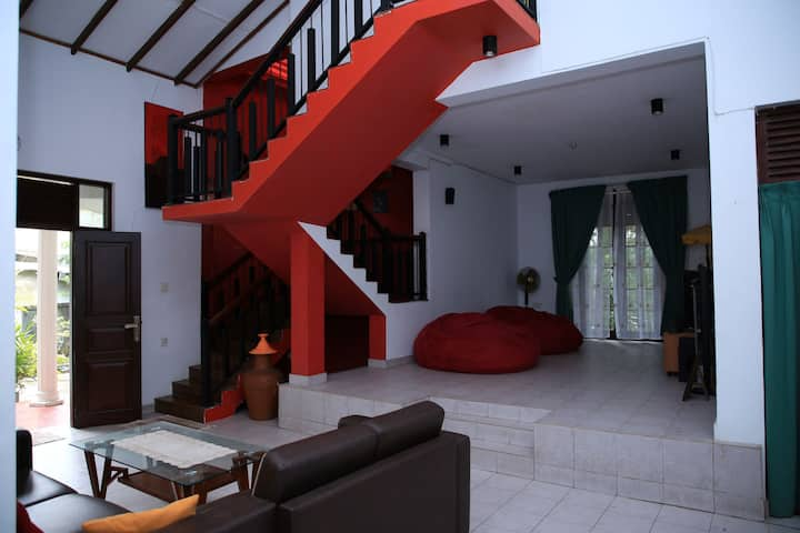 Yuli Nandas Villa - Makola Kiribathgoda Homestay