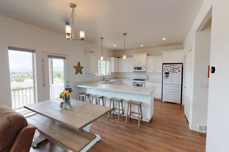 Main floor kitchen/dining