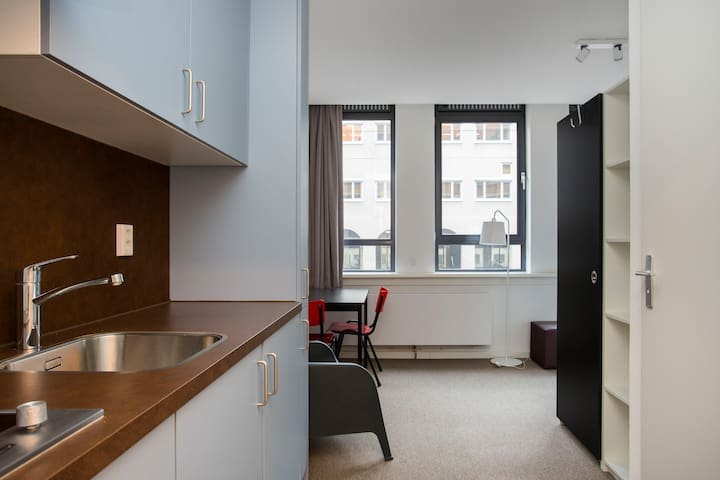 Studio Apartment located in city center The Hague