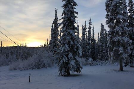 Alaska living close to town (West Fairbanks) - Fairbanks - Talo