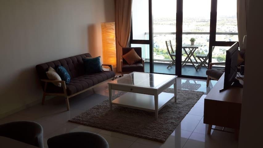 2 Bedrooms 5 mins from Legoland. - Nusajaya - Condominium