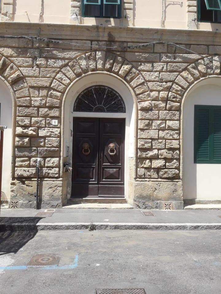 Casa simonetta a due passi dalla terrazza Mascagni