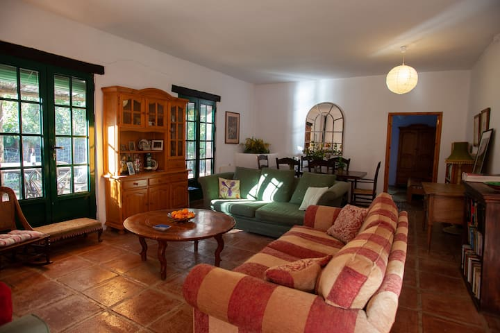 EL Bosque....spacious apartment in rural setting