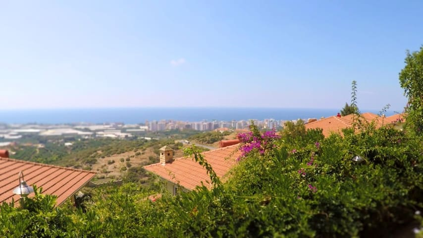 Apartment with ocean view and plenty of room - Alanya