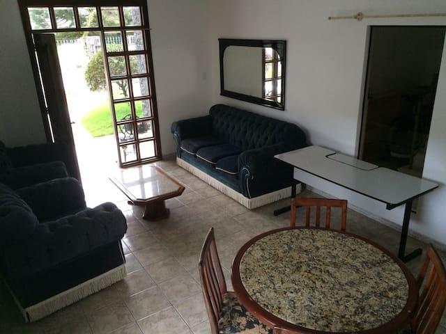 Apartamento (casa) Blumenau Garcia perto do centro - Blumenau - House