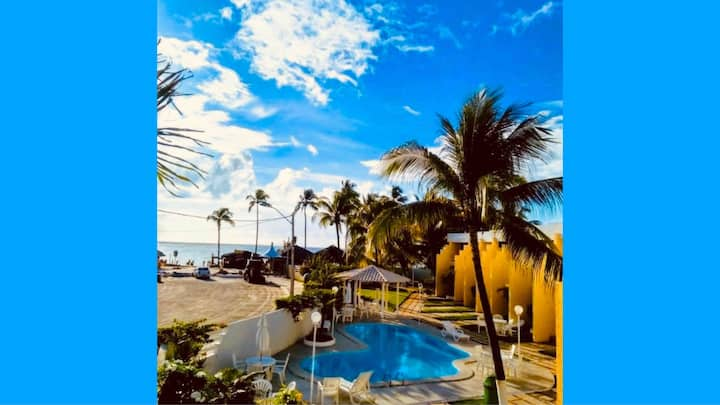 Casa beira marem Village na Praia de Guarajuba-BA