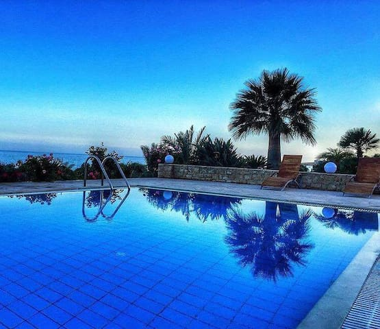 Heaven Blue Luxury Villa, Magnificent Seaview - Agia Fotia - Hus