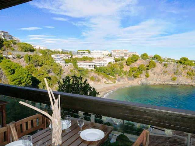 110 Rent Spectacular Apartment sea views next to the beach with terrace