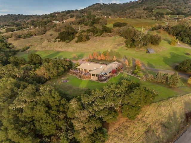 Woodhawk Manor of Alexander Valley