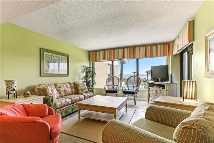 Amelia Surf & Racquet #B123:  Private gated community with great ocean view, tennis, and pool on the south end of Amelia Island.