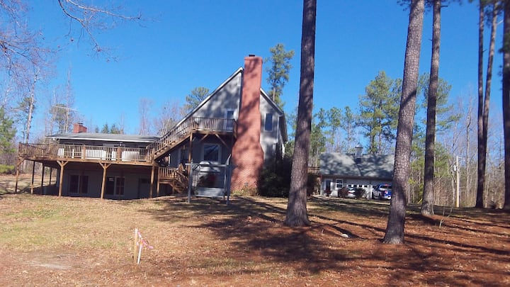 Secluded Sanctuary on Lake Gaston