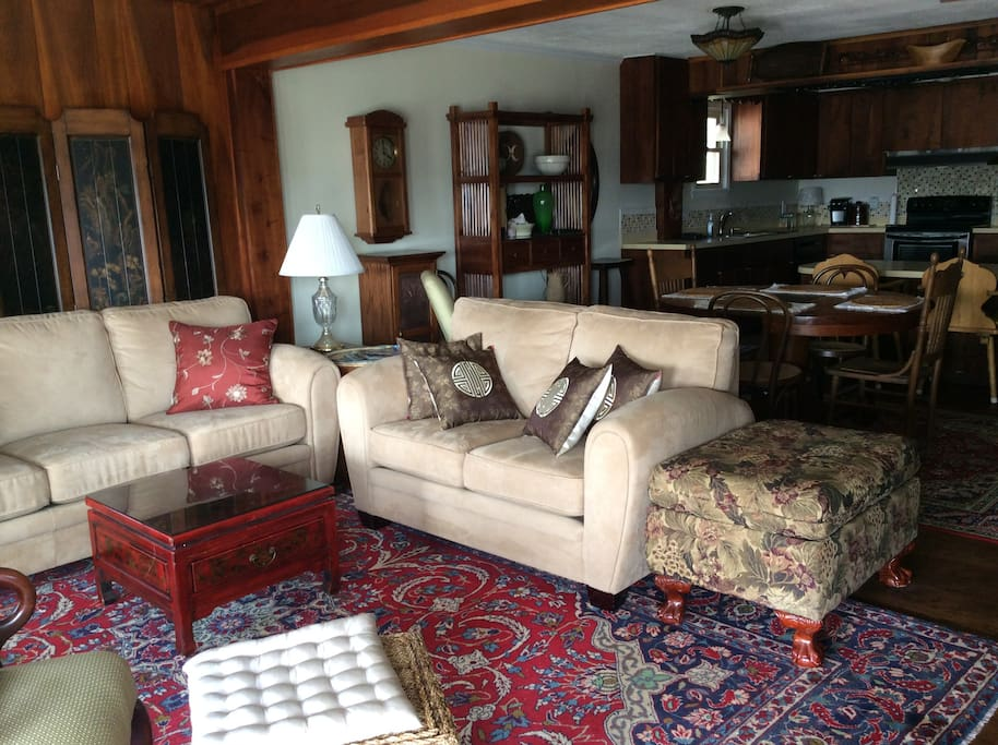 """Living Room with 42"""" TV with Dvd and streaming services (no cable or satellite TV)"""
