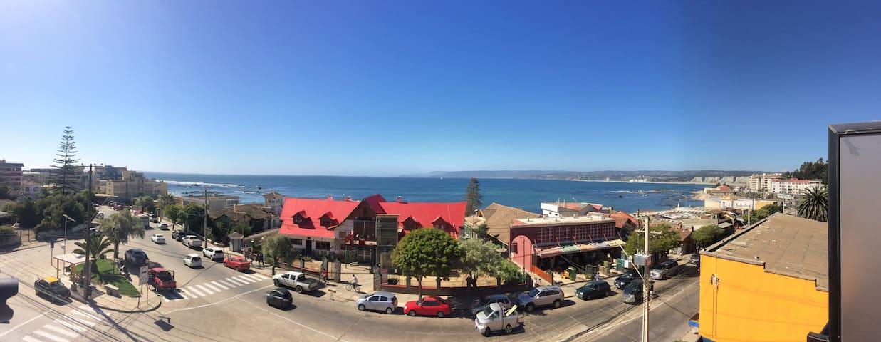 Excelente vista , a pasos de la playa!