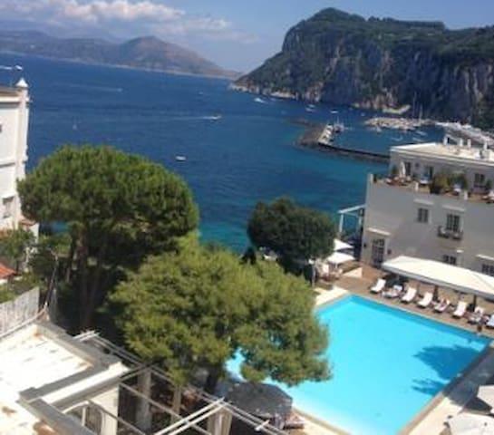 Splendida camera con  vista mare - Capri - Appartement