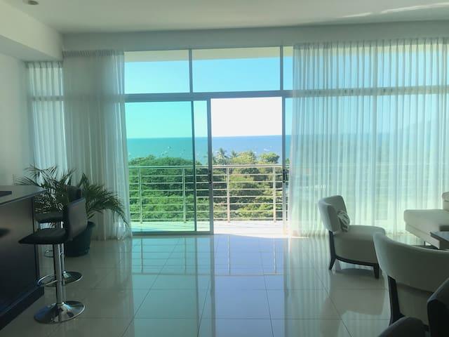 603 Luxury Ocean View 225m2 Condo