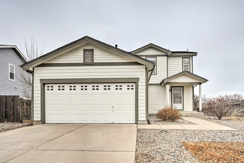 Enjoy easy driveway parking and mountain views.