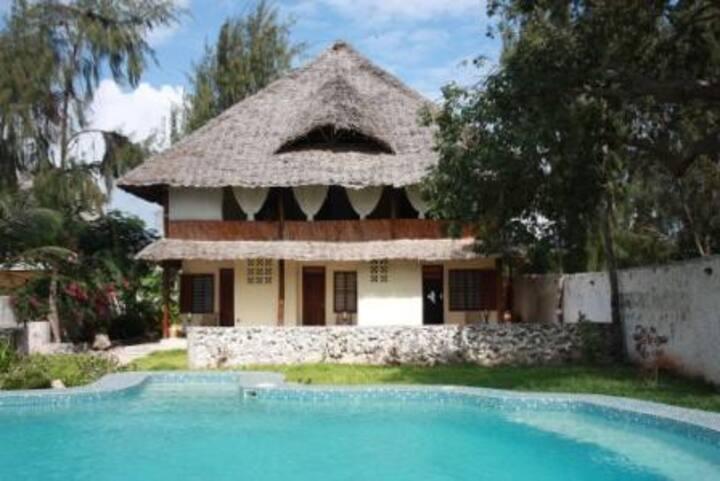 KOBE HOUSE - Triplefront beachbedroom