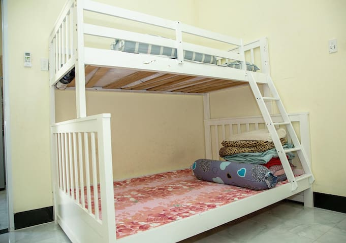 Bunk bed in bedroom 2
