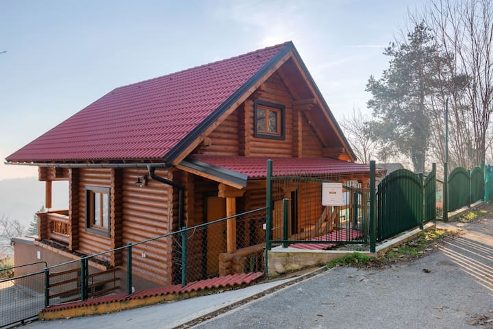 Charming Holiday Home in Zagreb with Private Swimming Pool