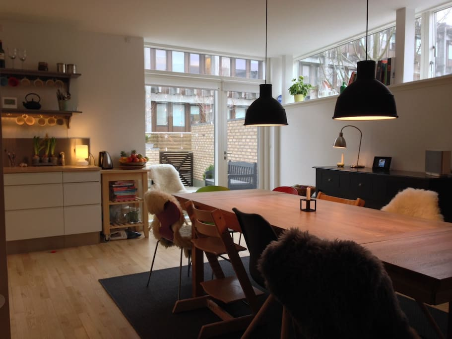Kitchen with a big dining table for up to 10 people