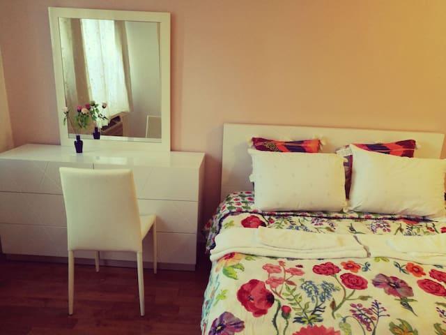 Master bedroom in Midtown Manhattan