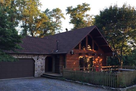 Serene log home at Murray Hill - Strasburg - Entire Floor