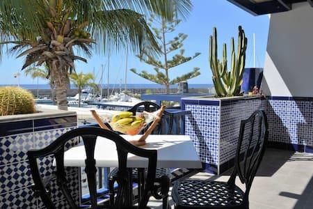 VACATIONAL APARTAMENT  IN  PUERTO  CALERO  terrace with sea views, quiet area