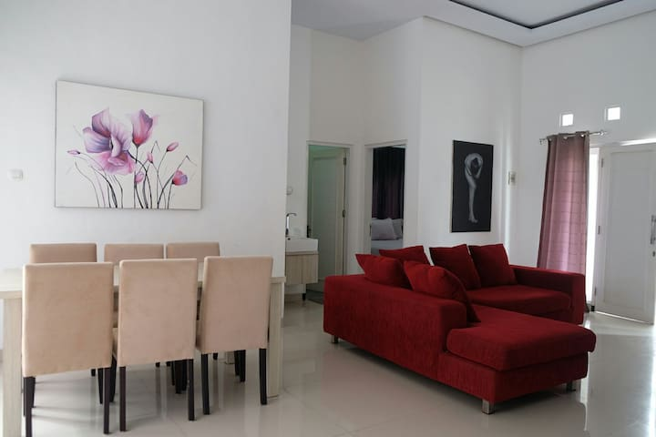 Private House with 3 Bedrooms with kitchen