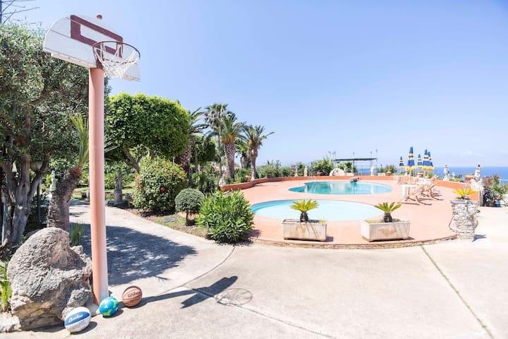 Appartamento Fausto in Villa con Piscina (N°1) - Santa Domenica