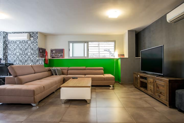 The Chic Home of Old North / Basel 1BR