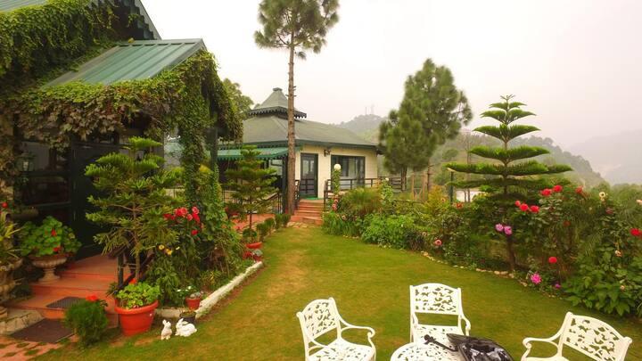 Villa Nestled in Mountains # HPSOL001